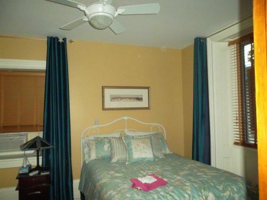 Limestone B&B: Bedroom