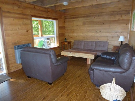 Homfray Creek, Canada: a cabin living room (they are all different)