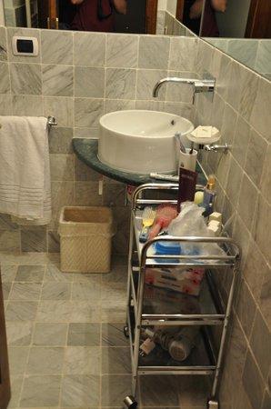 Relais Villa Belpoggio: Bathroom (junior suite)