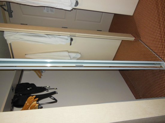 Hilton Garden Inn Halifax Airport : Big closet space for extended stays.