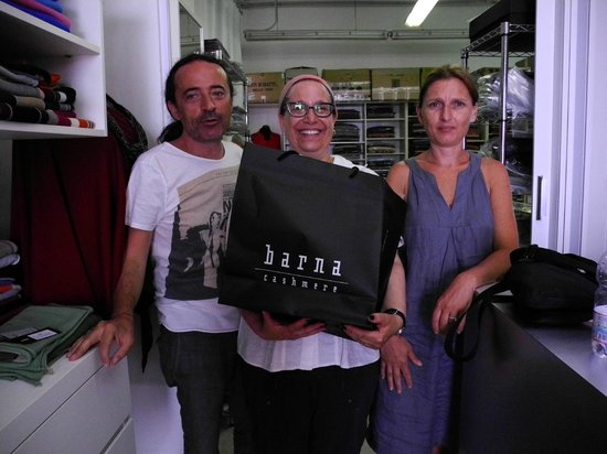 Barna Cashmere: The happy purchaser