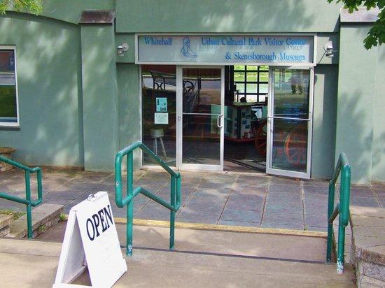 Skenesborough Museum: Entrance to the Museum