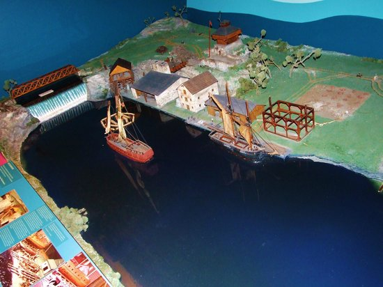 Skenesborough Museum: Example of the models showing how the place looked during the revolution