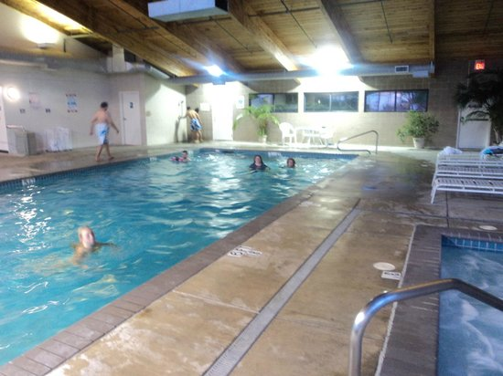 BEST WESTERN Agate Beach Inn : The beautiful pool and hot tub