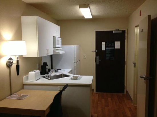 Extended Stay America - Atlanta - Kennesaw Town Center: Kitchen