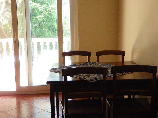 Villa Delfin Roatan: Dining area