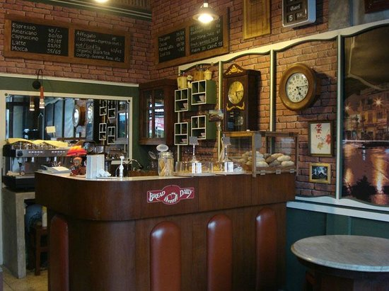 Old Town Cafe Bangkok: Feels like home