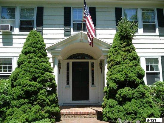 East Hampton Colonial Inn: Front door