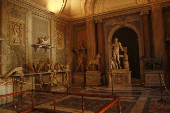 Vatican: More statues
