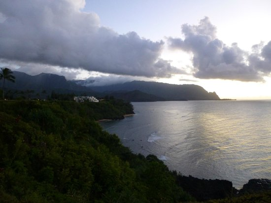 Marc at Princeville Pali Ke Kua: The nightly view from the bluff in front of the condo