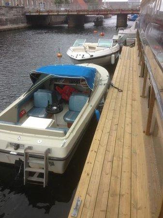 Kanal Cafeen: nu med båd pladser