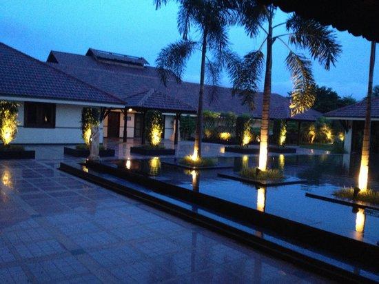 Madhubhan Resort & Spa : Sunrise