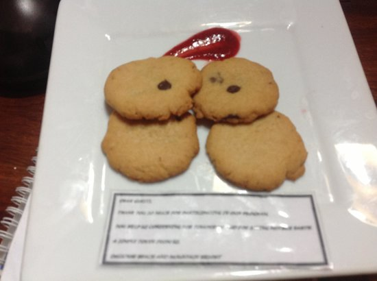 Daluyon Beach and Mountain Resort: cookies given at night