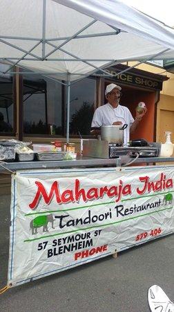 Rogers Kitchen Tandoori restaurant: Cooking Lessons.