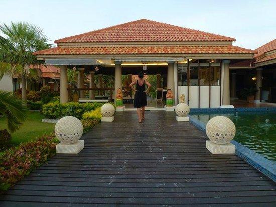 Sita Beach Resort & Spa: Entrata