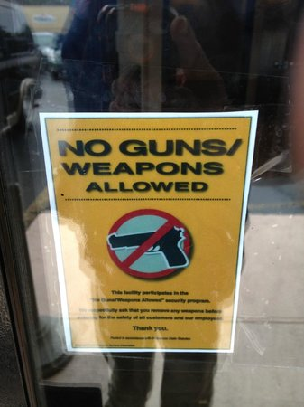 Clarion Hotel and Convention Center: Outside Entrance Proclaiming NO GUNS