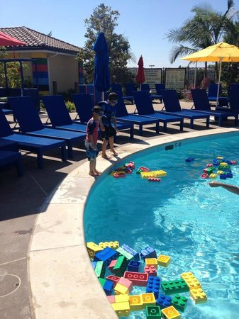 LEGOLAND Hotel Pool - Picture of LEGOLAND California Hotel, Carlsbad ...