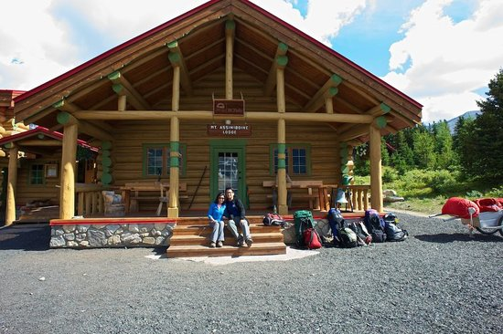 Assiniboine Lodge: Upon arrival at the front of the lodge