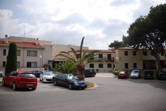 Gran Hotel Rey Don Jaime: Vorderansicht, Parkplatz