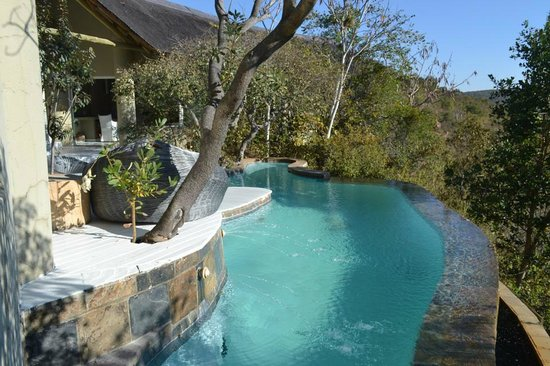 Clifftop Lodge : Pool Area