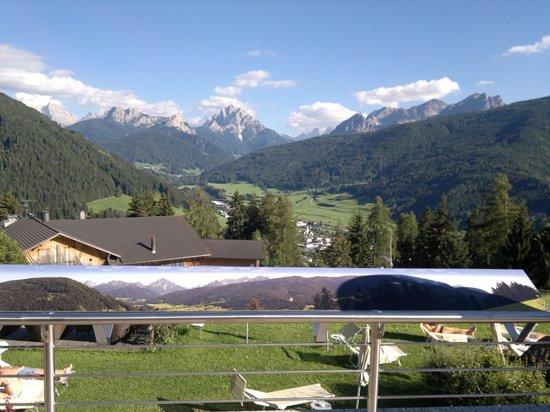 Hotel Alpen Tesitin: dalla terrazza dell' albergo