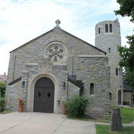 Fort Snelling State Park: Fort Snelling Chapel 2 - ReverendLovebrew.com