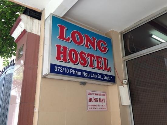 Long Hostel: entrée de l'hôtel