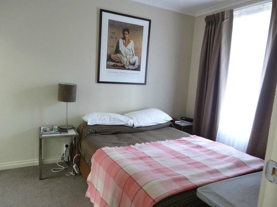 Forrest Hotel And Apartments: Bedroom