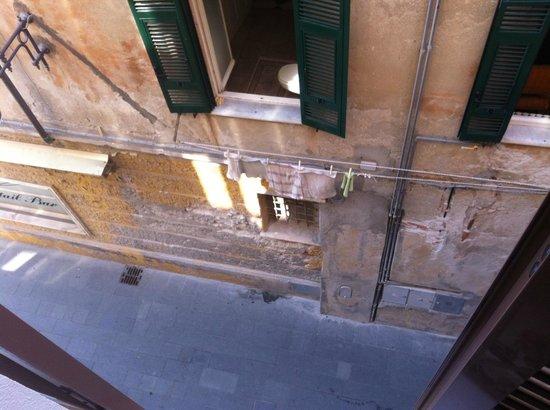 Hotel San Pietro Palace: el baño del edificio particular, estas son las maravillosas vistas al mar