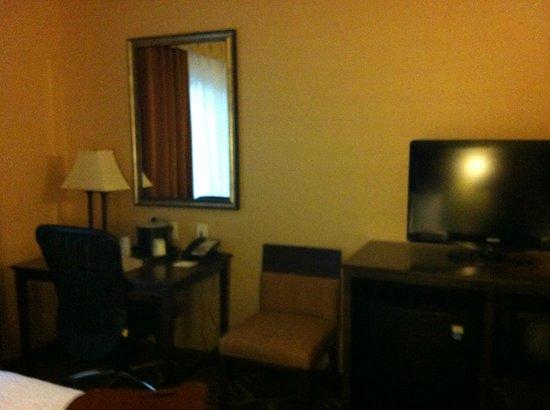 Hampton Inn & Suites- San Luis Obispo: Hampton Inn San Luis Obispo Standard Room
