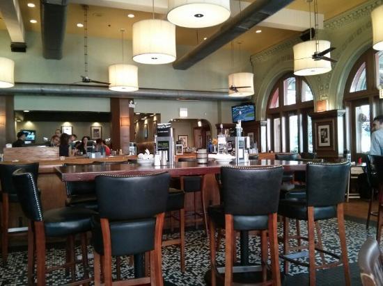 Bar Louie Chicago 47 W Polk St Downtown The Loop
