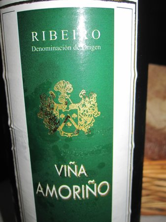 Hotel Restaurante Mediante: Good wine list