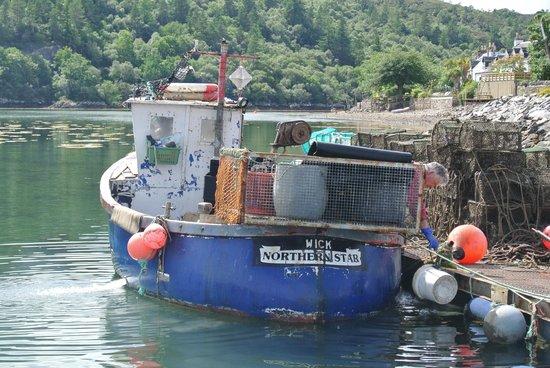 Plockton Hotel Restaurant: Local creel boat at Plockton Harbour