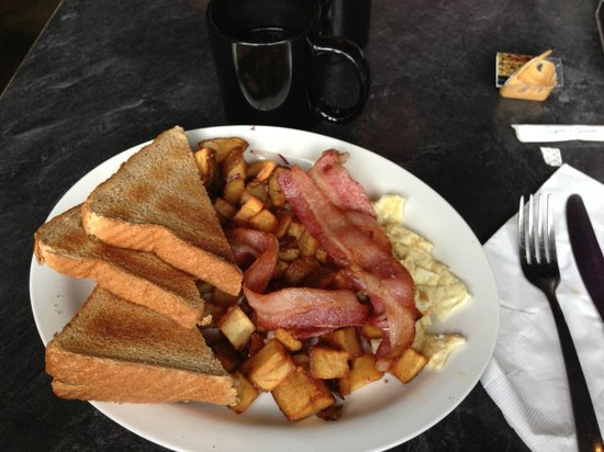 Bruno's Bar & Grill: traditional breakfast