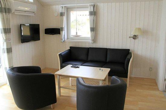 Skærbæk Fritidscenter: Stue i feriehus