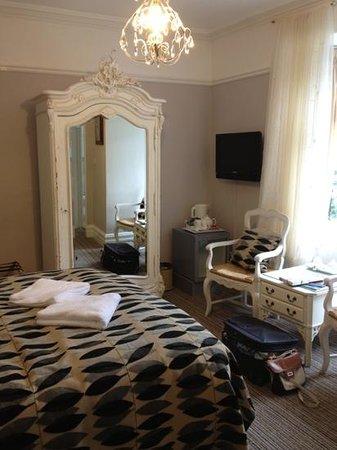 Dene House: lovely superior room :)