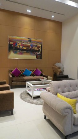 Abloom Exclusive Serviced Apartments: lobby