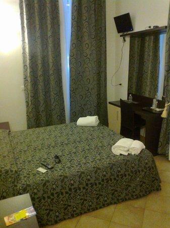 Hotel Brenta Milano : Camera accogliente