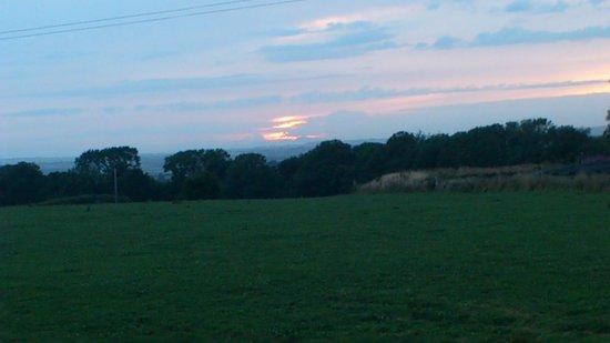 Plas Tirion Farm: beautiful Welsh sunset!