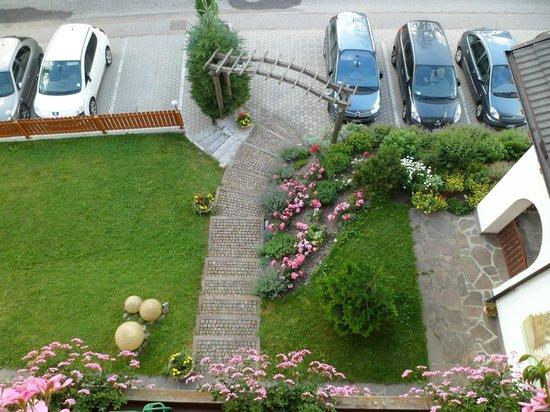 L Entrata Vista Dall Alto Foto Di Appartamenti Residence Montana