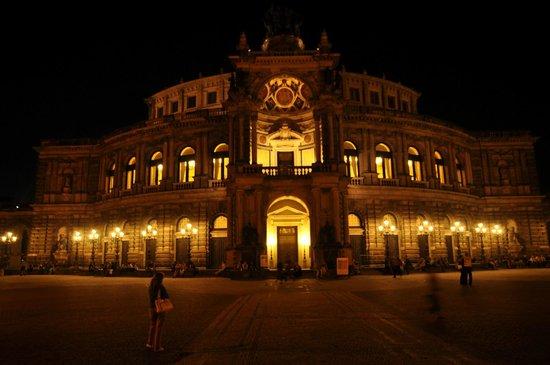 Semper Opera House (Semperoper): Semperoper @Night