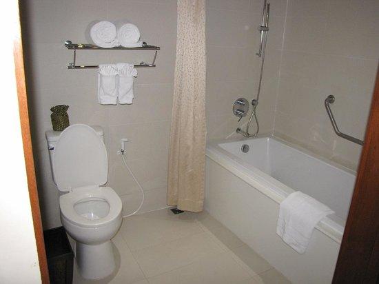 อวานี พัทยา รีสอร์ท แอนด์ สปา: Salele de bain chambre  148
