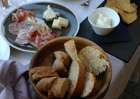 La Tana Gourmet : pane e salame