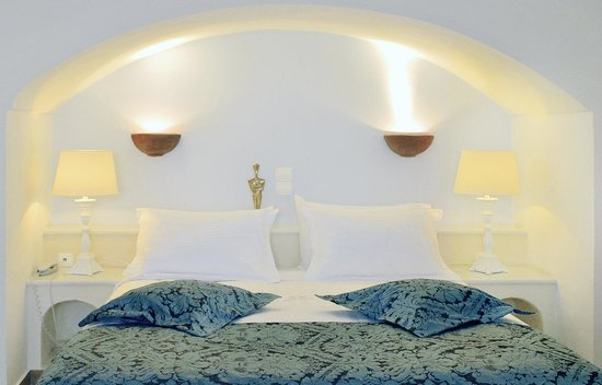 Anteliz Suites Santorini: Junior Suite bedroom