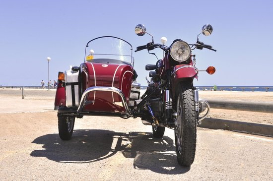 Bcn Sidecar: Beach moment