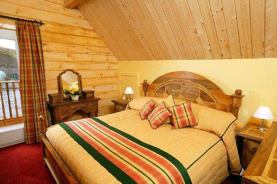 Lodges on Loch Ness: Master bedroom