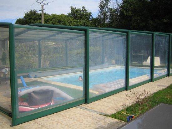 Piscine couverte photo de chambres hotes landevennec landevennec tripadv - Prix piscine chauffee ...