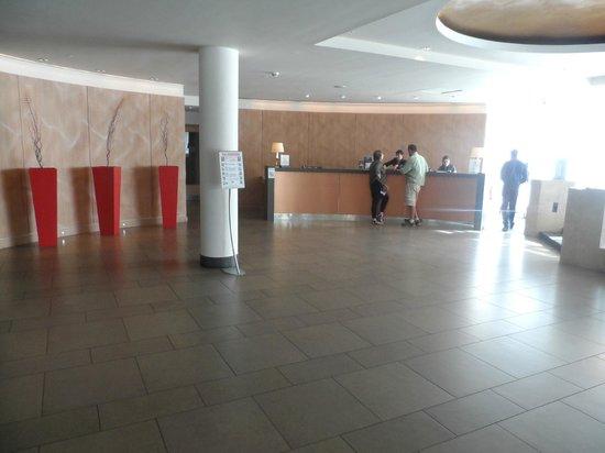 Hilton Dublin Kilmainham: Le hall