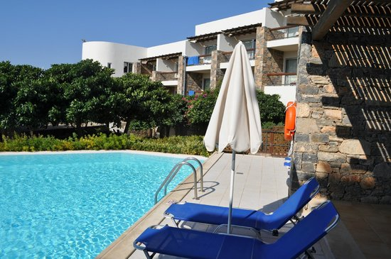 Mirabello Beach & Village Hotel : Village private pools