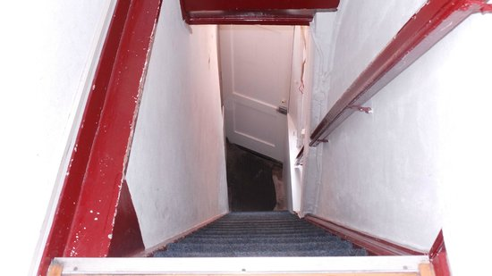 Hotel De Koopermoolen: stairs from road to 1st floor